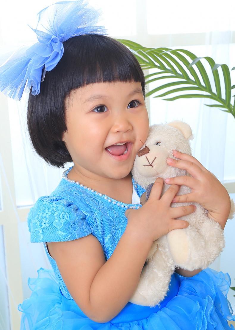 儿童模特_诗蕾