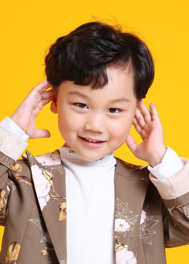 儿童模特_周俊宇