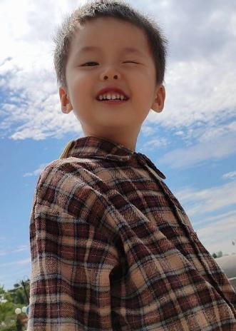 儿童模特_孔令希